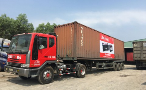 Dán Decal Quảng Cáo Xe Container Cho Cty Ắc Quy Enimac