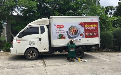 Dán Decal Quảng Cáo Trên Xe Tải Cho Công Ty CJ Cầu Tre