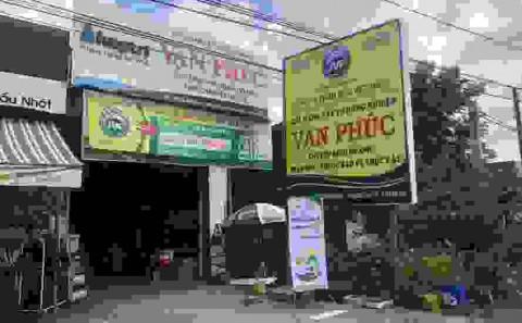 Bảng Hiệu Quảng Cáo Tole Dán Decal Cửa Hàng Phân Bón, Đại Lý Vật Tư Nông Nghiệp Của Cty Phân Bón Việt Nhật