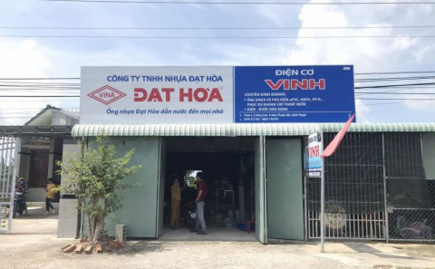 Làm Bảng Hiệu Tôn Dán Decal Công Ty Nhựa Đạt Hòa Tại Bình Thuận